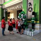 Ho Chi Minh-stad, het lopen straat, Kerstmisseizoen Stock Foto