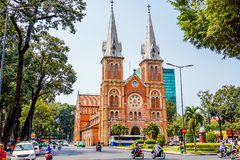 HO-CHI-MINH-STAD, VIETNAM - MAART 13, 2016: Notre Dame Cathedral in Sai Gon Royalty-vrije Stock Afbeelding