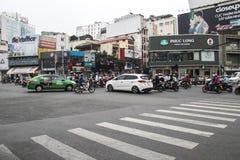 HO CHI MINH STADT, VIETNAM - 24. Februar 2017: Erstaunlicher Verkehr von Asien Lizenzfreie Stockbilder