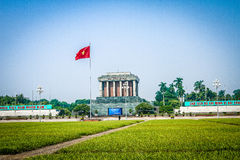 Ho Chi Minh Tomb Mausoleum i Hanoi lodisar Dinh Square, Vietnam Royaltyfria Foton