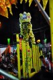 Drakedans på festivalen Tet den Lunar för nytt år, Vietnam Royaltyfria Bilder