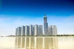 HO CHI MINH/VIETNAM, AM 29. OKTOBER 2017 - HOCHHÄUSER IN EINEM NEUEN PROJEKT DES CENTRAL PARK IN SAIGON, HO CHI MINH STADT, VIETN Stockfoto