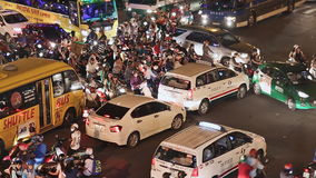 HO CHI MINH WIETNAM, PAŹDZIERNIK, - 13, 2016: Ruchu drogowego dżem z mnóstwo samochodami na drogach Ho Chi Minh miasto Wietnam zdjęcie wideo