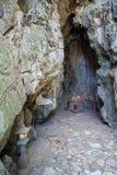 Hoa Nghiem Cave con l'altare, montagne di marmo, Vietnam Immagine Stock