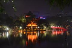 Hoan Kiem Jeziorny Hanoi przy nocą Zdjęcia Royalty Free