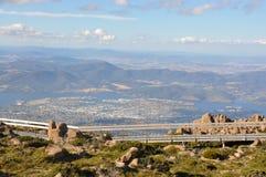 Hobart från walkwayen för Mt Wellington. Arkivfoton