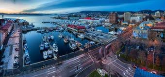 Hobart på gryning, Tasmanien, Australien royaltyfri foto