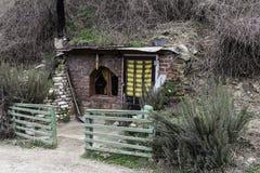 Hobbit hus royaltyfria bilder