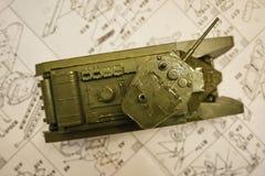 Hobby - Assemblage van verminderde exemplaren van echte gevechtstanks Dergelijke modellen zijn zeer populair en vele ventilators  royalty-vrije stock fotografie