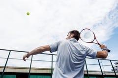 Hobby di sport dell'oscillazione della racchetta di tennis che gioca concetto Fotografia Stock