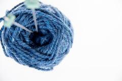 hobby wielu ludzi robi na drutach przędzy Obrazy Royalty Free