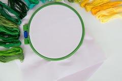 hobby wielu ludzi robi na drutach przędzy Zdjęcia Stock