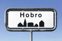 Hobro stadsvägmärke Royaltyfria Bilder