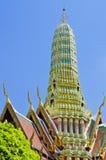 Hoch das Stupa lizenzfreie stockfotos