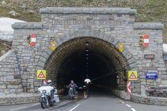 Hochalpenstrasse高山路在奥地利,这里Hochtor隧道 库存图片
