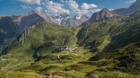 Hochauflösendes alpines Panorama lizenzfreie stockfotografie