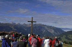 Hochfirst: Godsdienstige bergceremonie in Montafon-vallei met a stock afbeeldingen