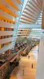 Hochfliegende Vorhalle an den Jachthafen-Schacht-Sanden, Singapur Stockfoto