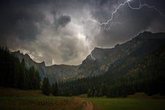 Hochgebirge-Gewitter Stockfoto