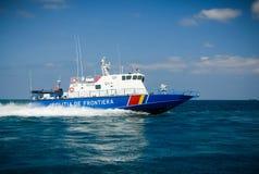 Hochgeschwindigkeitsboot lizenzfreie stockfotografie