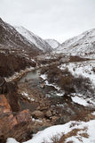 Hochkonjunktur-Schluchtlandschaft in Kirgistan (Asien). stockbilder