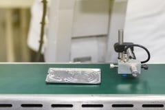 Hochleistung und Genauigkeit des Sensors ermittelt für automatischen Fertigungs- und Qualitätskontrollprozeß mit Produkt in indus lizenzfreies stockbild