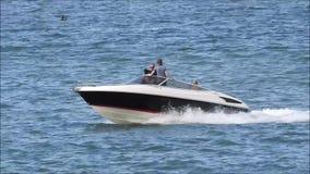 Hochleistungsschnellboot stock video footage