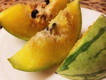 Hochrote gelbe Wassermelone Stockfotografie