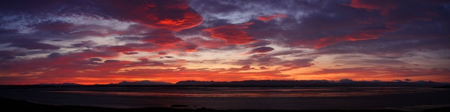 Hochroter Sonnenuntergang Lizenzfreie Stockbilder