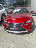Hochrotes Lexus Stockbild