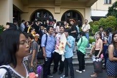Hochschulstudenten feiern ihre Staffelung Stockfoto
