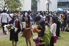 Hochschulstudenten feiern ihre Staffelung Stockfotografie