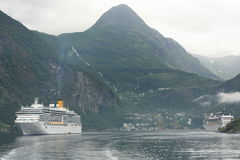 Hochsee- Dampfer Lizenzfreies Stockbild