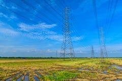 Hochspannungsenergiemasten lizenzfreies stockfoto