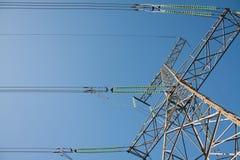 Hochspannungskontrollturm Stockfotos