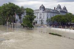 Hochwasser auf Donau in Bratislava, Slowakei Lizenzfreie Stockfotos