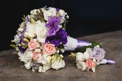 Hochzeit Blumenstrauß und Boutonniere Lizenzfreies Stockfoto