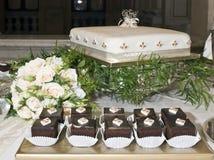 Hochzeit Chocs lizenzfreies stockfoto