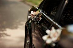Hochzeit Cortege, liefert den Bräutigam und die Braut an die Hochzeitssite Stockfoto