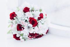 Hochzeit floristics in Form eines Blumenstrau?es stockfotos