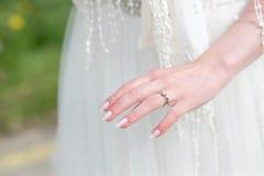 Hochzeit und Verlobungsringe Lizenzfreie Stockfotos