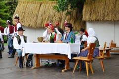Hochzeit von Straznice, Hochzeitsgast am Tisch Lizenzfreies Stockbild