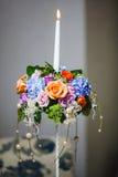 Hochzeits-Blumenstrauß mit empfindlichen Pfingstrosen und Rosen lizenzfreies stockfoto
