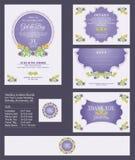 Hochzeits-Einladung/Brautdusche mit Blumensträußen und Kranz entwerfen vektor abbildung