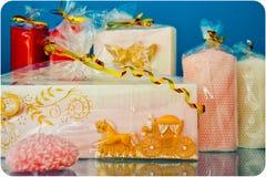 Hochzeits-Geschenk-Kerze Stockfotografie