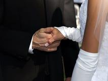 Hochzeits-Hände Stockfoto