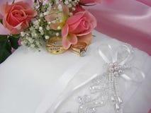 Hochzeits-Kissen Stockbild