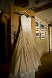 Hochzeits-Kleid Stockfotografie