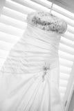 Hochzeits-Kleid lizenzfreie stockbilder
