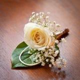 Hochzeits-Knopfloch Rose Lizenzfreies Stockbild